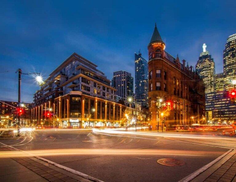 Artificial Intelligence making Real Estate Investment smarter, simpler.